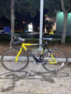 GMC DENALI ROAD BIKE, for Sale in Miami, FL
