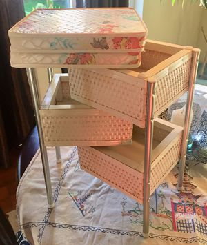 Vintage Child's Doll Wicker Foldable Changing Table (1960's?) for Sale in Gig Harbor, WA