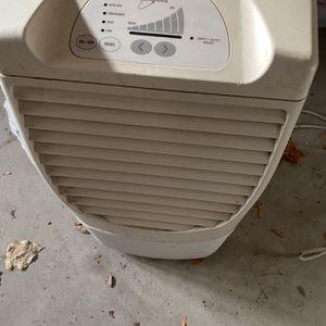 Whirlpool Dehumidifier(manually Emptied ) for Sale in Allen Park, MI