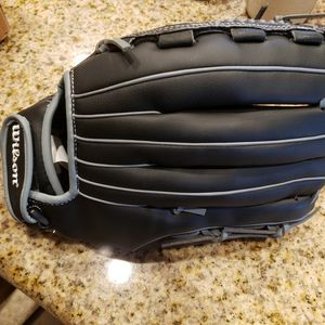 Black And Grey Wilson Left Handed Softball Glove for Sale in Surprise, AZ