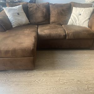 Brown Couch for Sale in Chicago, IL
