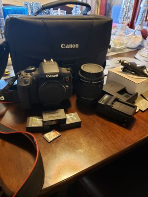 Canon t6i bundle for Sale in Monterey Park, CA