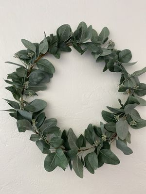 Wreath 15inch wide for Sale in Fresno, CA
