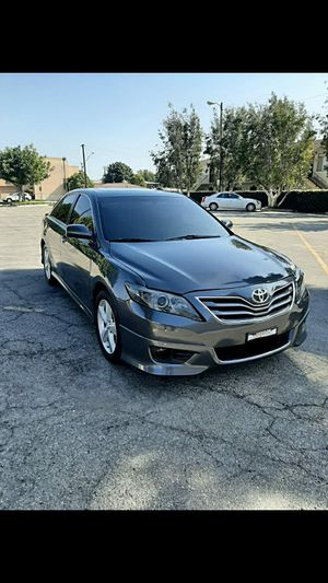 TOYOTA CAMRY 2010 AUTOMATIC BLUETOOTH SUPER CLEAN INSIDE N OUTSIDE for Sale in Bellflower, CA