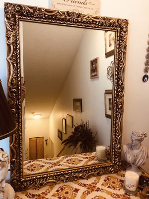 Antique gold mirror for Sale in Tamarac, FL