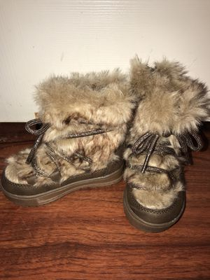 Toddler Girl Winter Boots for Sale in Weslaco, TX