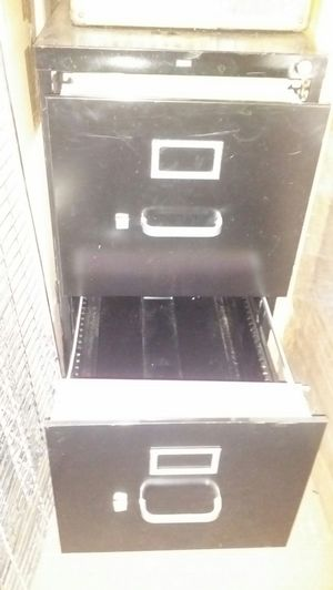 Professional quality, 2 drawer, locking file cabinet. for Sale in Portland, OR