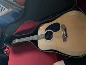 VLH Acoustic Guitar w/ Tutorial book and CD included! for Sale in Louisville, KY
