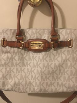Michael Kors MK logo Hamilton Large East West Tote (Vanilla) for Sale in Lakeside,  CA