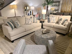 3 piece Living room set (Sofa + Loveseat + ottoman) for Sale in Everett,, WA