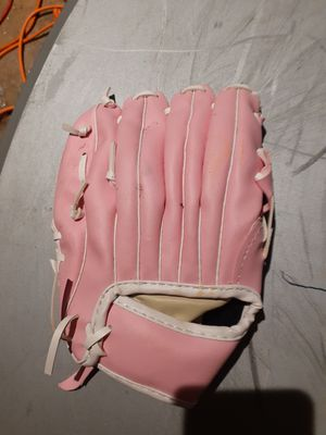 Girls softball glove for Sale in Fort Worth, TX