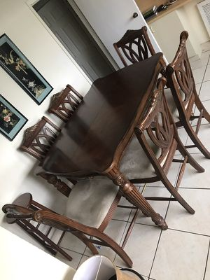 Dining table set with chairs for Sale in Hialeah, FL