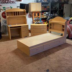 Bedroom Set for Sale in Escondido,  CA