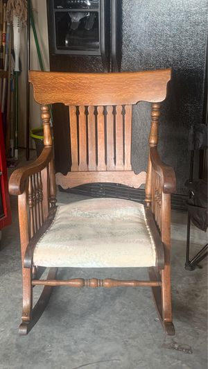 Antique rocking chair for Sale in Keller, TX