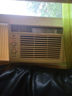 Arctic King 5,000 BTU air conditioner for Sale in Aliquippa, PA