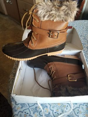 Women's boots size 12 prefect for the snow for Sale in La Habra Heights, CA