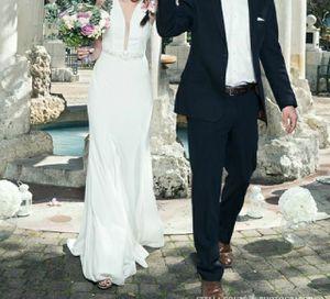 Wedding dress size 4 for Sale in Houston, TX