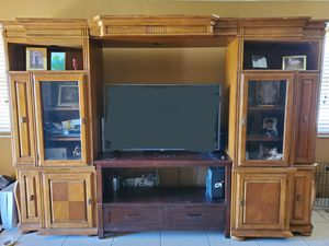 Wall Unit w/TV Stand for Sale in Princeton, FL