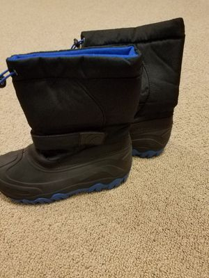 Snow boots size 4 kids for Sale in Gilbert, AZ