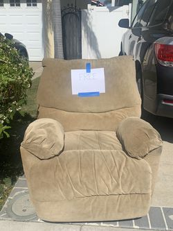 FREE lazy-boy Recliner for Sale in Huntington Beach,  CA