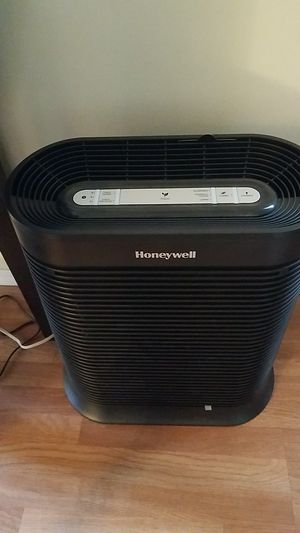 Honeywell air purifier for Sale in Lakewood, CA