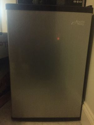 Mini refrigerator - silver and black Arctic King for Sale in Cohasset, MA
