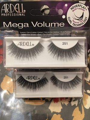 New ardell mega volume eyelashes for Sale in Los Angeles, CA