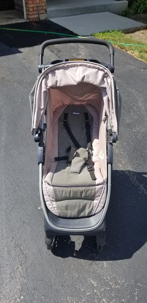 Chicco Bravo Stroler for Sale in Willowbrook, IL
