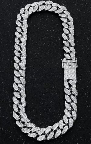 ICED OUT SILVER CUBAN LINK CHAIN 20MM JEWELRY FASHION for Sale in Miramar, FL