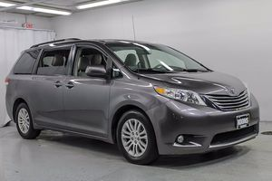 2011 Toyota Sienna for Sale in Arlington, VA