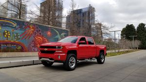 2018 Chevrolet Silverado 1500 Z71 with only 6k Miles! for Sale in Garland, TX