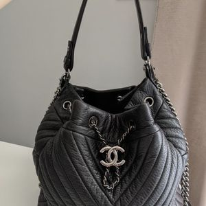 Chanel Chevron Bag - Deer Skin for Sale in Los Angeles, CA