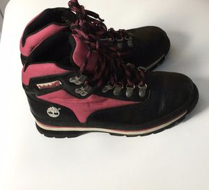 Women's Timberland Hiker Boots 7.5 for Sale in Cleveland, OH