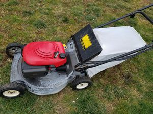 Honda HR215 lawn mower self propelled with blade clutch for Sale in Portland, OR