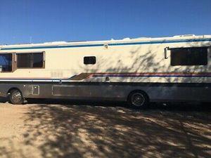 1993 Safari continental class a motorhome Cummings diesel for Sale in Phoenix, AZ