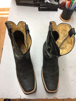 Genuine cowhide leather boots black size 8 for Sale in Paramount, CA