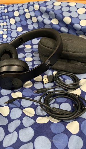 Beats solo 3 wireless black Limited edition for Sale in Miami, FL