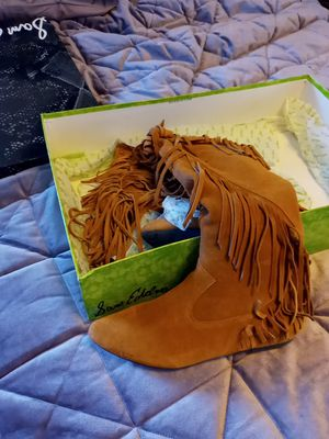 New in box Sam Edelman suede Fringe boots size 8 for Sale in Stoneham, MA