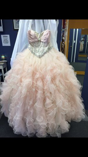 Light Pink Quinceanera dress for Sale in Brandon, FL