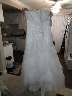 wedding dress for Sale in Fountain Valley, CA