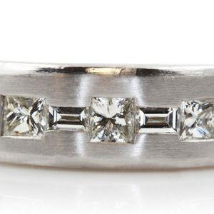 U1028 MENS 14K GOOLD DIAMOND WEDDING RING BAND 0.80CT 12.80 GRAMS for Sale in San Diego, CA