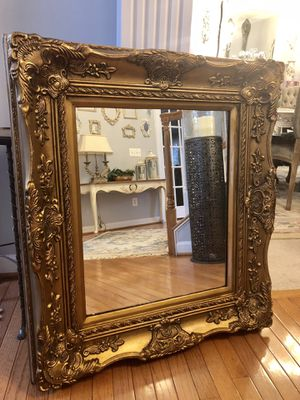"""36""""X31"""" beautiful Antique Vintage French Wooden gold Mirror for Sale in Gainesville, VA"""