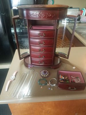 Jewelry box and all included for Sale in Columbus, OH