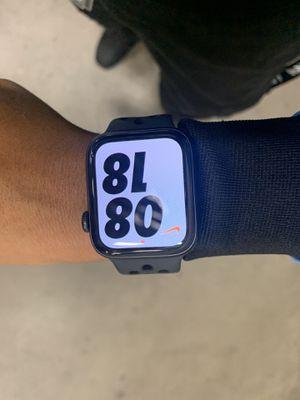 Apple Watch Series 5 44mm (Nike) for Sale in Atlanta, GA