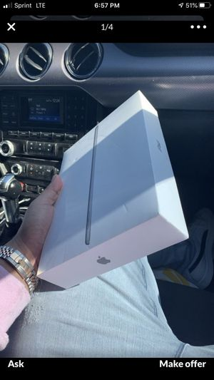 Apple iPad 6th generation 32gb for Sale in Spring Hill, FL
