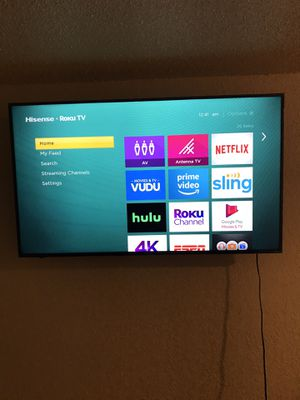 58in 4K TV Hisense and wall mount for Sale in Kennewick, WA