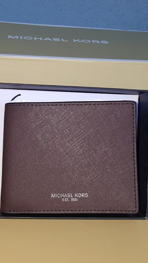 New Authentic Michael Kors Men's Brown Wallet 🎁🎁🎁🎁 for Sale in Pico Rivera, CA