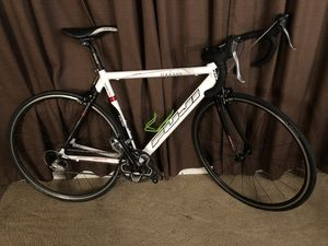 Fuji Roubaix Pro Bike with shimano 105 groupset for Sale in Fircrest, WA