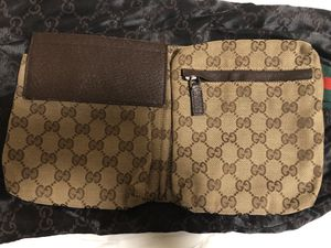 Gucci GG supreme belt bag for Sale in Redmond, WA