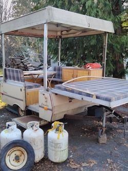 Coleman ,Columbia Pop Up Camper Trailer Rv for Sale in Puyallup,  WA